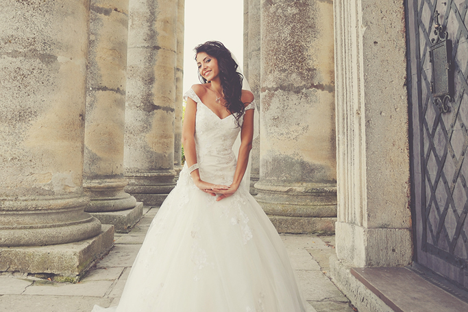 How To Make An Affordable Wedding Dress Look Expensive