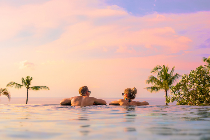 mini honeymoon destinations Sometimes, due to time or budget constraints, it's just not possible to go on honeymoon for an extended period of time, so why not consider a mini-moon.