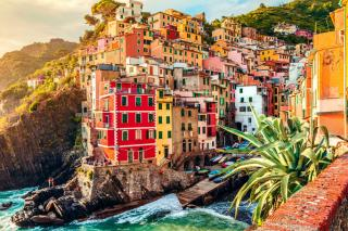 10 Most Colourful Destinations Around the World