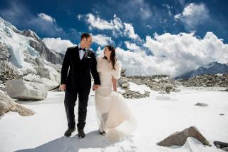 James Sissom and Ashley Schmieder get married on Mount Everest