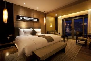 Make Your Bedroom Look As Classy As A Hotel Bedroom
