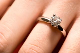 How To Keep Your Diamond Engagement Ring Sparkling Like It's New