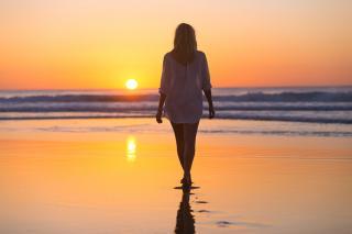 travel alone benefits