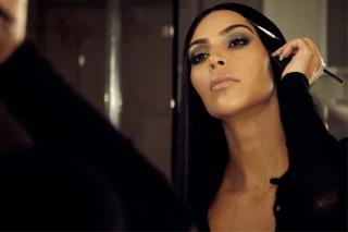 Kim Kardashian Does Her Own Makeup