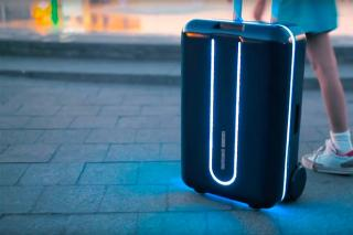 The World's First Robotic Suitcase