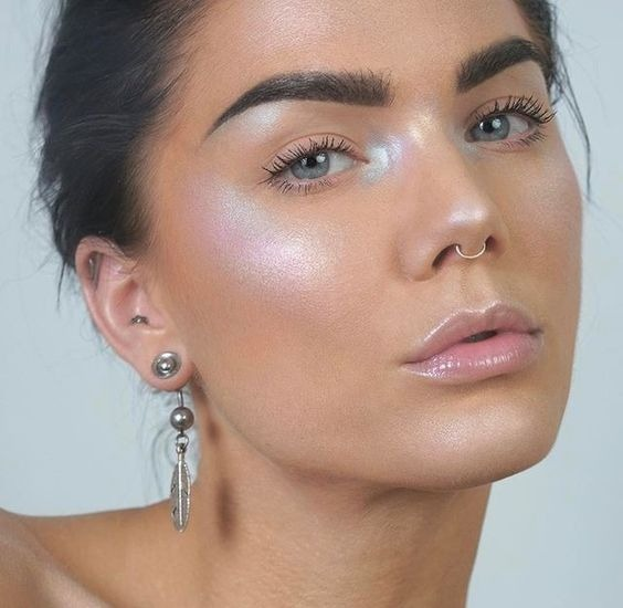 Beauty Trends You Need To Know For Spring Makeup Looks