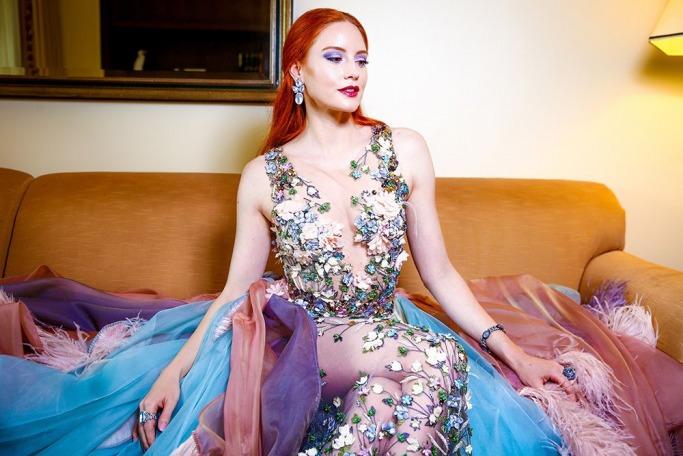 Barbara Meier's colourful Golden Globes dress