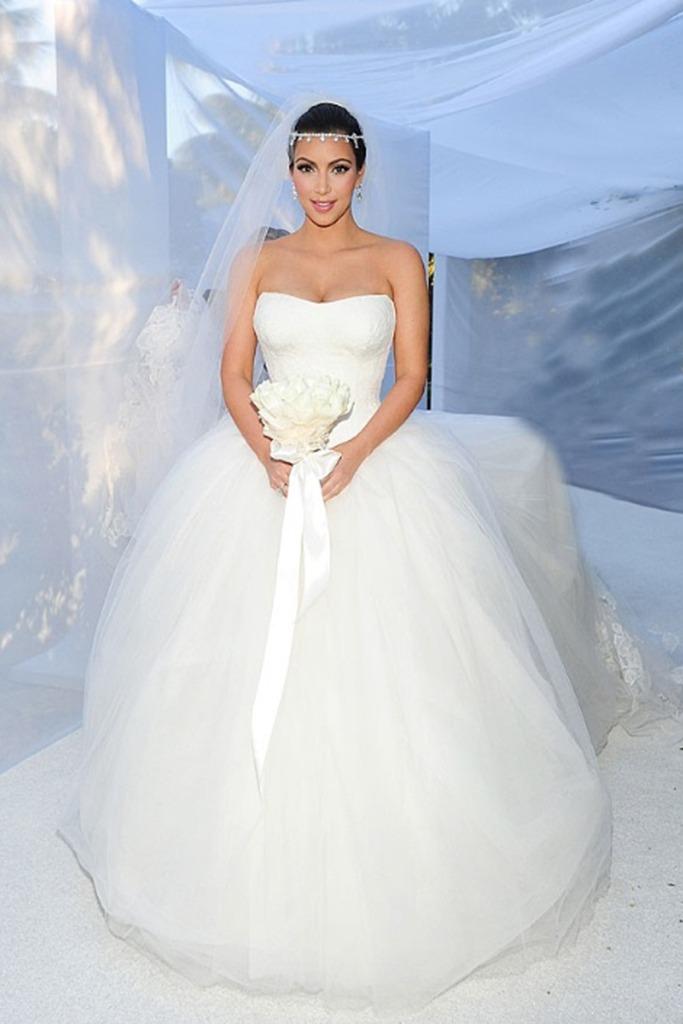 10 Most Beautiful Celebrity Brides Of All Time | ewmoda