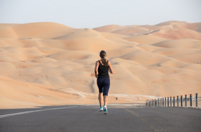 Dubai Desert Road Run, April in Dubai